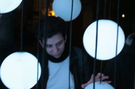 Maja in der Luminale-Kunst