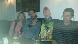 Frau Fenster, Yunus, Schall und Rauch