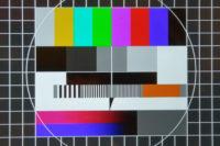 """ein """"klassisches"""" Testbild, wie es früher jeder Sender nachts ausstrahlte. völlig neutral, ohne Text."""